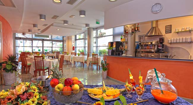 Multi-purpose restaurant hall - Hotel Antares